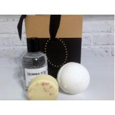 Bath Gift Set / Bomb / Truffle / Bubble Bath / Melt